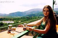 Ly cafe trên cao nguyên Đà Lạt.