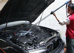 Rửa, Dọn khoang máy bằng đá C02 xe 7 chỗ