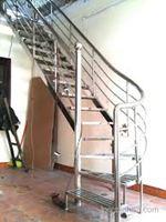Cầu thang inox mẫu 04