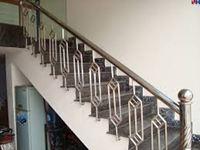 Cầu thang inox mẫu 02