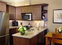 Tủ bếp gỗ xoan đào mẫu 03