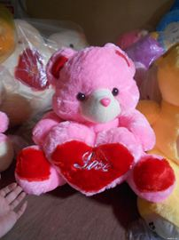 Gấu ôm trái tim