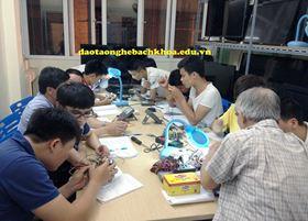 Chùm ảnh học viên nô nức đến khai giảng lớp học mới tại Trung tâm dạy nghề Bách Khoa - số 61/295 Bạch Mai, Hà Nội