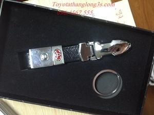 Móc chìa khóa Toyota