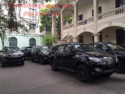 giao xe toyota fortuner