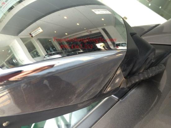 Bảo vệ cụm gương bằng xích chống trộm