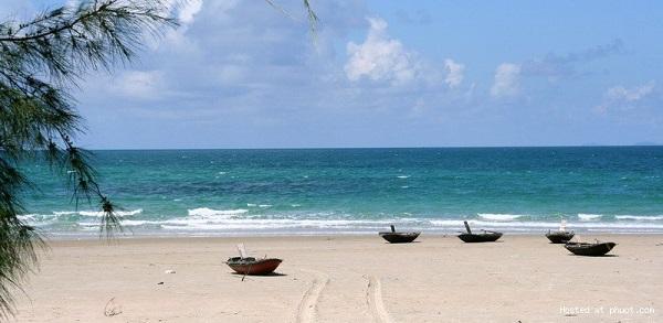 Những bãi biển với làn trong xanh tuyệt đẹp