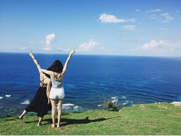Vi vu cùng cô bạn thân tới đảo Lý Sơn
