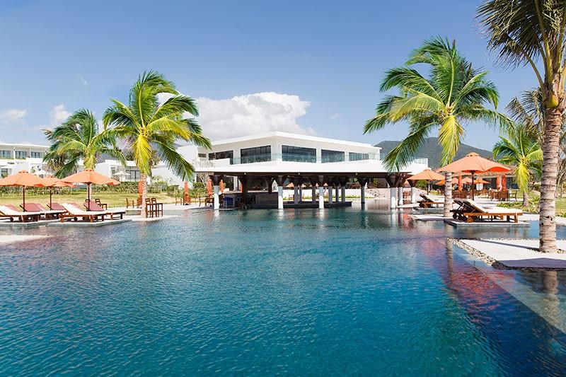 Riviera-Resort-01