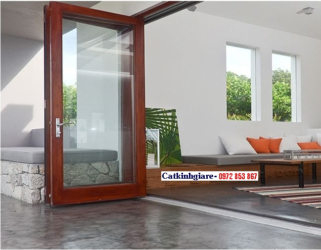 Mẫu cửa kính cường lực khung gỗ đẹp KG01