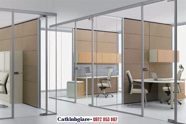 Mẫu vách ngăn khung nhôm kính văn phòng VNK02