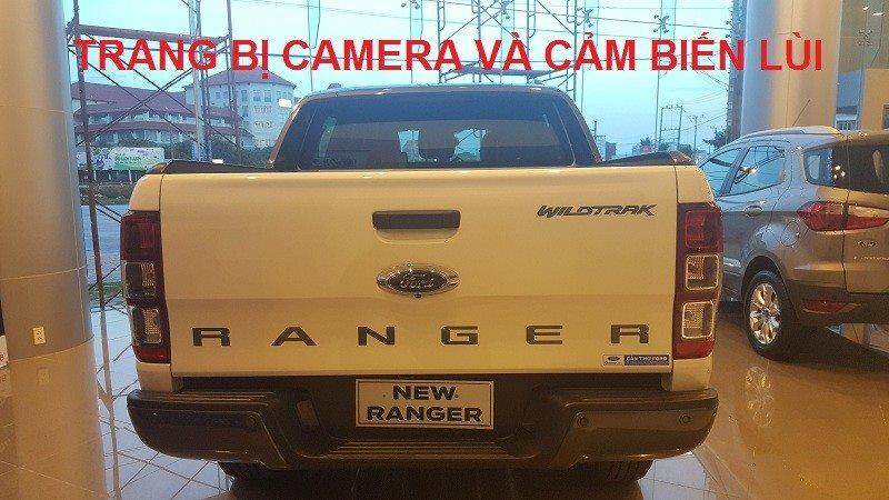 Ford Ranger Wildtrak 3.2 trang bị camera và cảm biến lùi