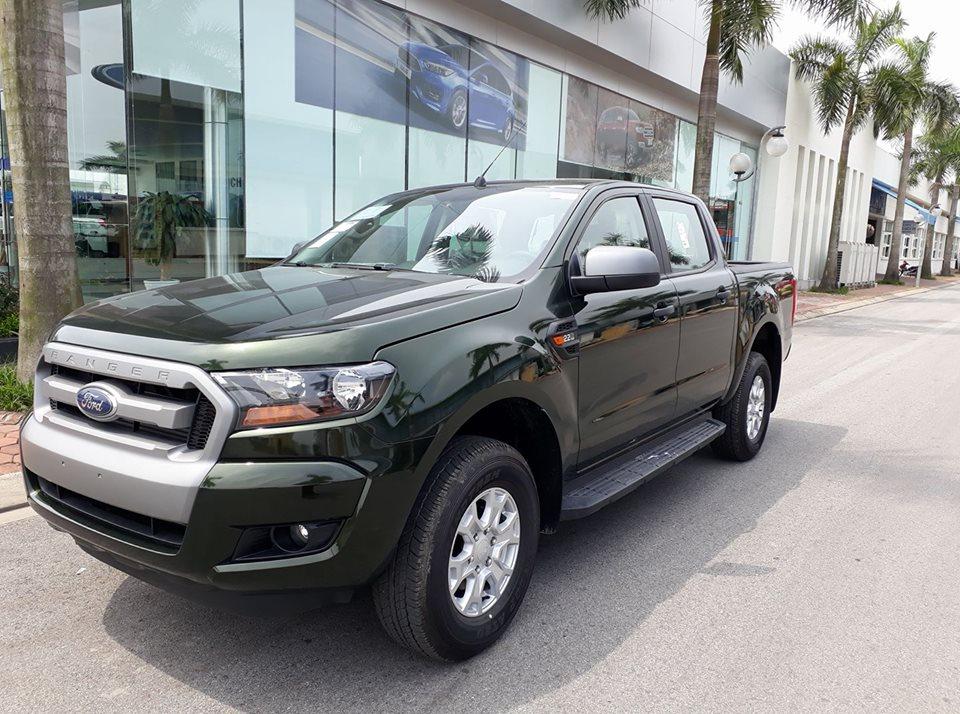 Ford Ranger XLS MT giá rẻ tại Việt Nam