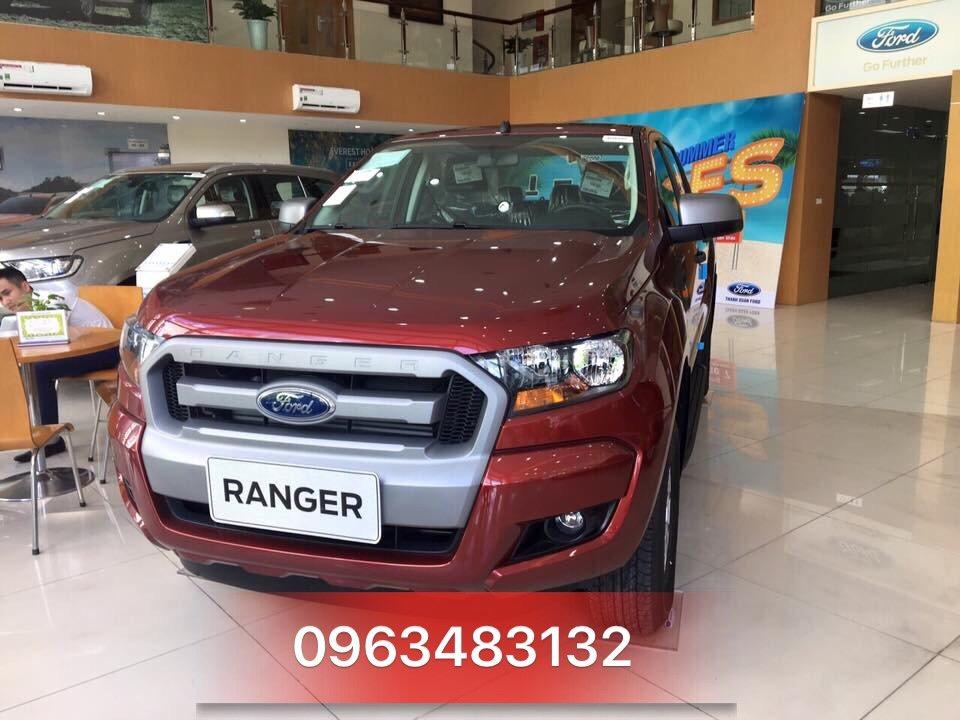 Ford Ranger XLS màu đỏ giá rẻ đang giao ngay tại An Đô Ford