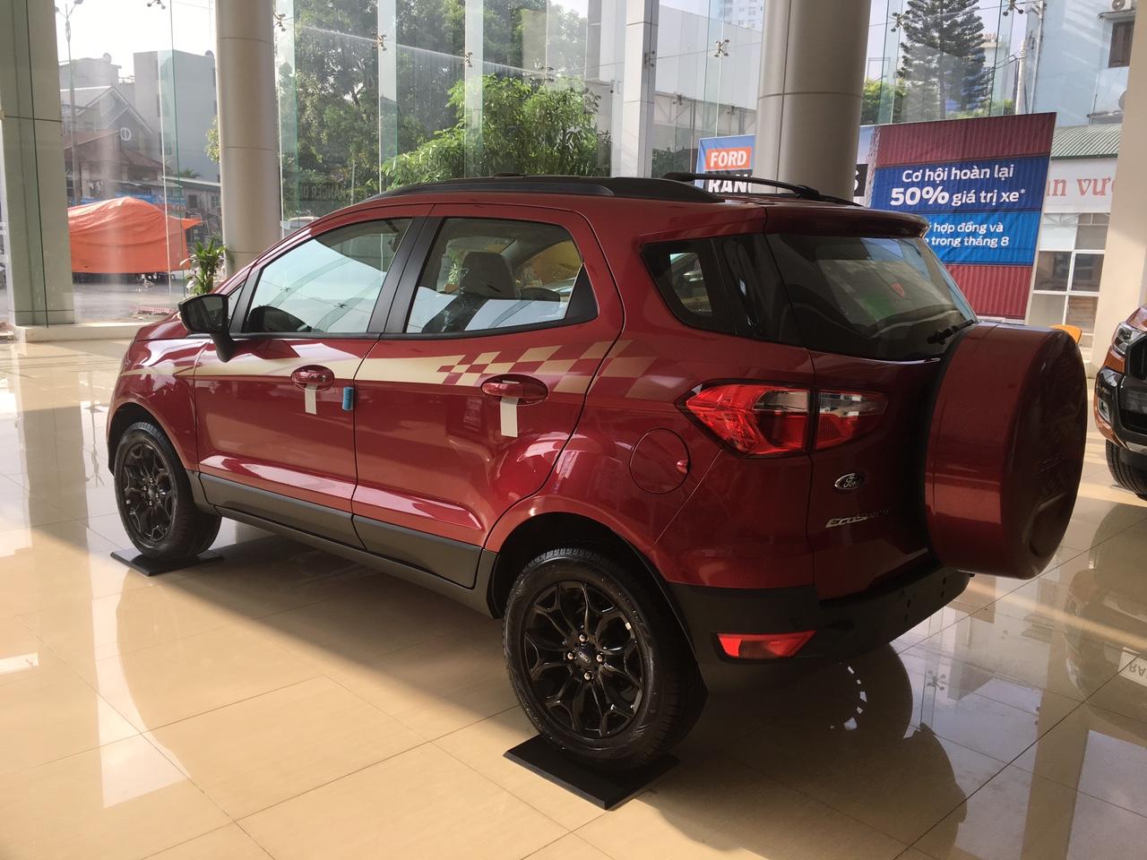 Form dáng tổng thể của chiếc Ford Ecosport Black Editon