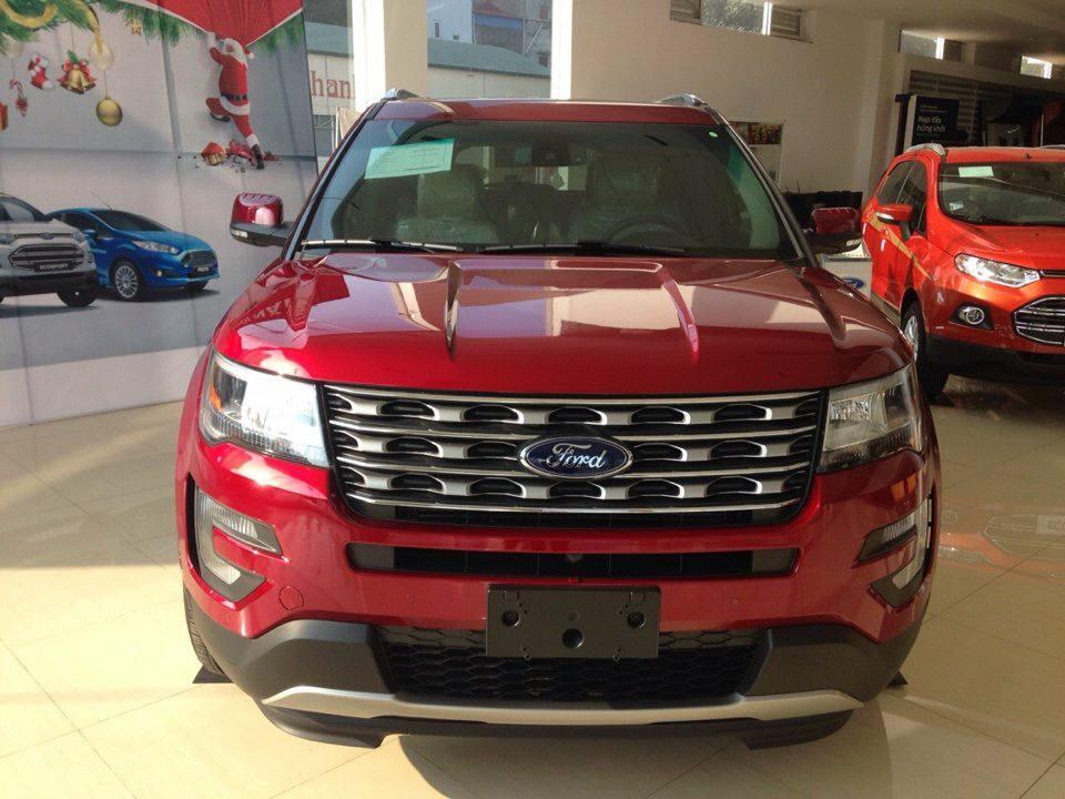 Ford Explorer 2.3L Ecoboost Màu đỏ đang bán tại Việt Nam