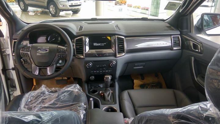 Nội thất Ford Everest được thiết kế cơ bản dựa trên chiếc Ford Ranger Wildtrak