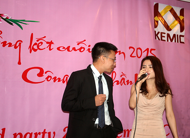 Mr. Dương lên song ca với ca sĩ