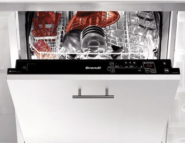 Máy rửa bát âm từ Brandt