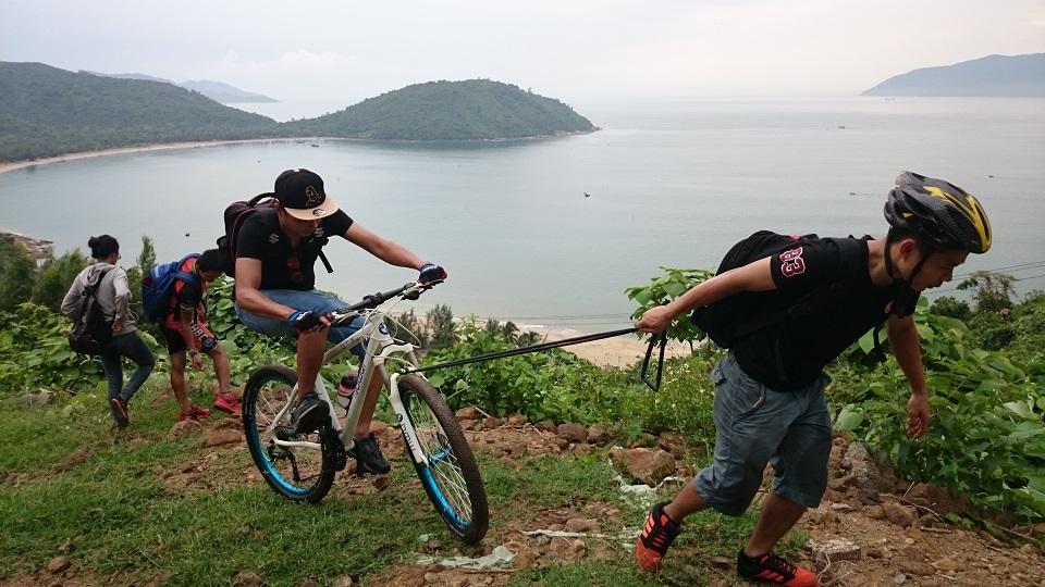 Thử thách vượt đèo đầy thú vị với những chiếc xe đạp thể thao