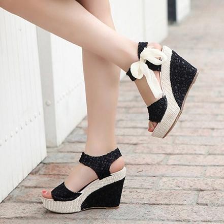 6 kiểu giày dép bạn nên sắm trước khi ra biển 10