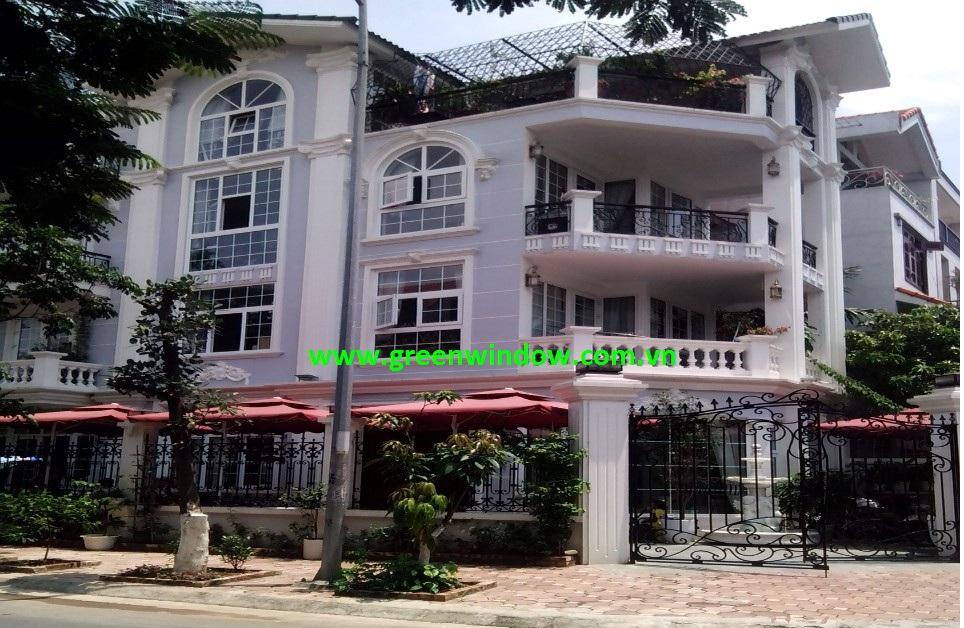 cửa nhựa lõi thép dự án biệt thự Long Biên