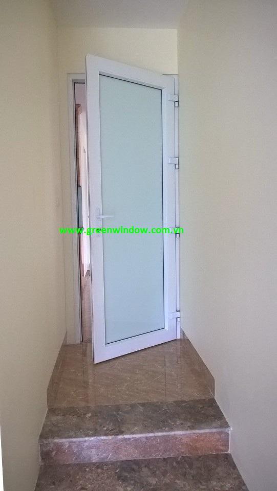 cửa nhựa kính trắng an toàn