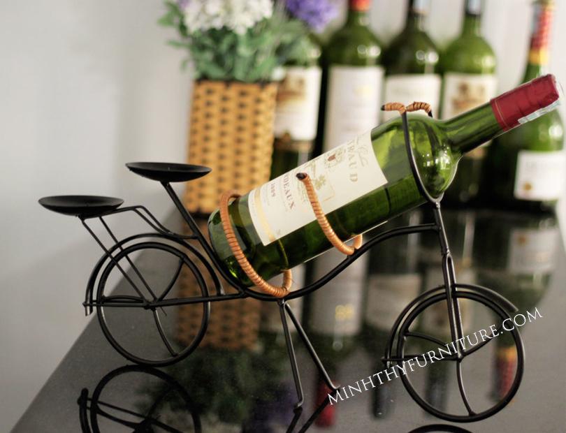 Xe đạp chở rượu