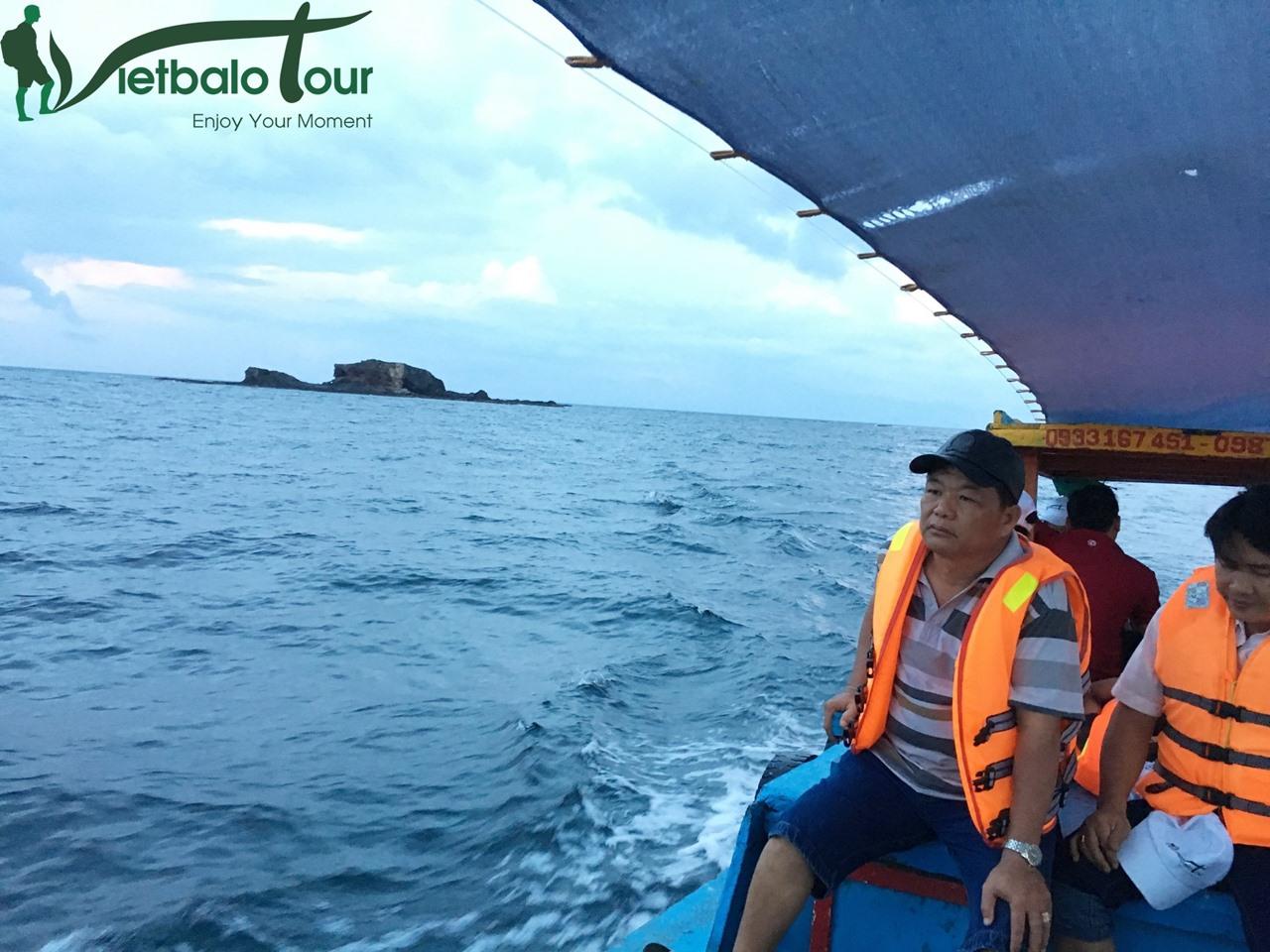 đường đi đảo phú quý