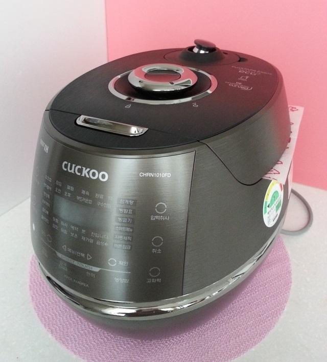 Nồi cơm cuckoo nấu được nhiều loại thức ăn như nấu cơm, nấu cơm trộn, nấu cơm làm kimpap