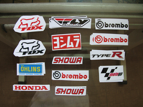 decal in logo len am chen