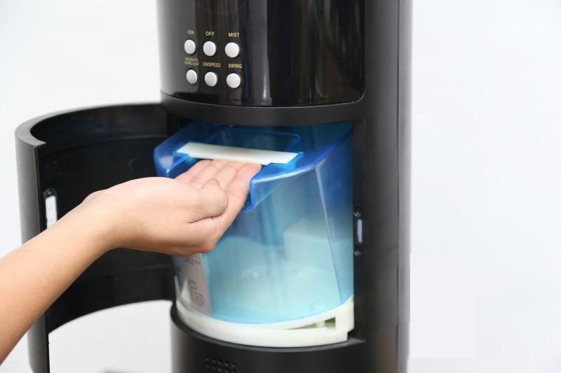 Kangarroo HYB50 có bình chứa nước lón