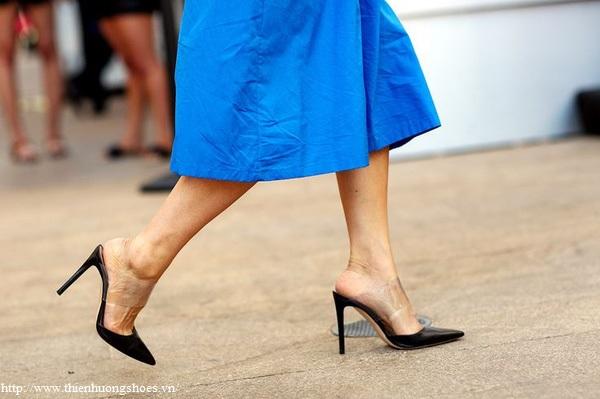 Giày không quai hậu