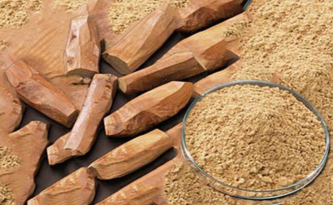 http://cdn.searchhomeremedy.com/wp-content/uploads/2015/01/Sandalwood-Powder.jpg
