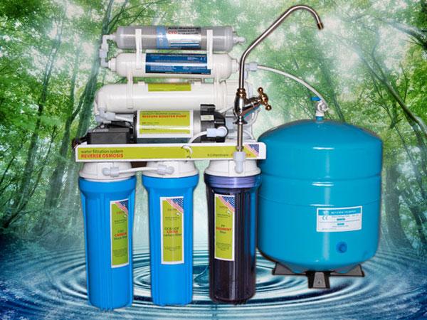 Máy lọc nước RO mang nước tinh khiết đến cho gia đình bạn