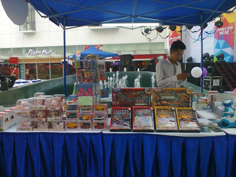 Kid's Kingdom, Hitomi, đồ chơi Nhật Bản, đồ chơi cho bé, đồ chơi an toàn, đồ chơi thông minh, Đồ chơi lắp ghép, Tosy, Takara Tomy, Iwaya, Maruka, Indochina Plaza Hà Nội, Sự kiện