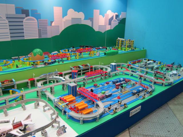 Kid's Kingdom, Hitomi, Đồ chơi Nhật Bản, Đồ chơi thông minh, Đồ chơi an toàn, Đồ chơi cho bé, mô hình tàu hỏa, Takara Tomy, Nikko, Sự kiện