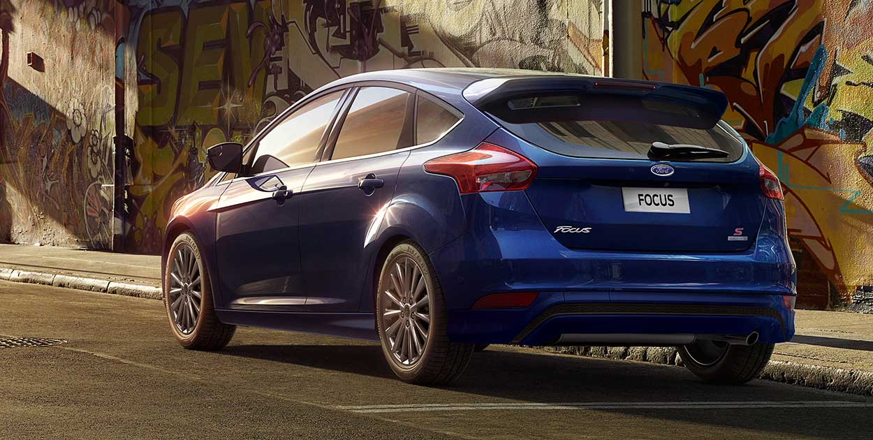 duoi-xe-ford-focus-2016