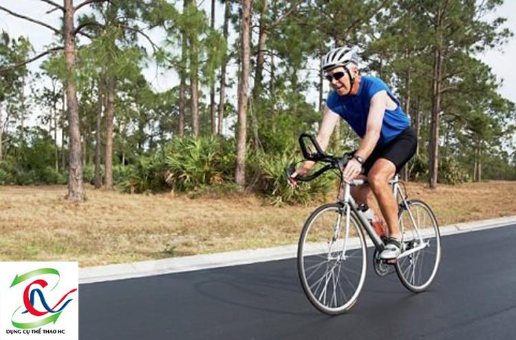 Đạp xe tốt cho khớp chân