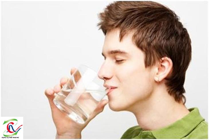 Uống ít nước có hại cho sức khỏe