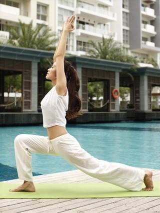 tăng thanh hà tập yoga