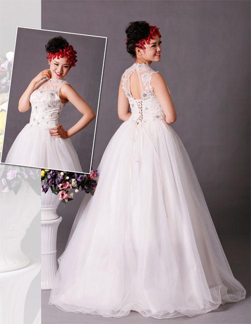 thời trang cưới lưng ren