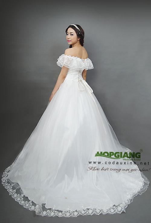 váy cưới dáng bồng