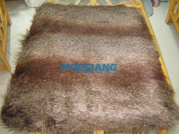 thảm lông nâu