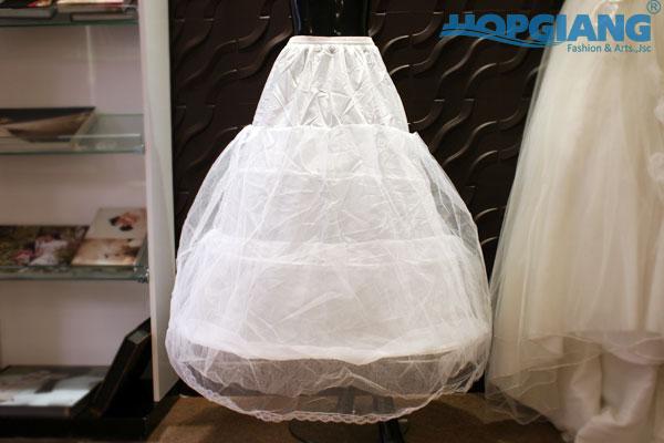 Tùng phồng váy cưới cho cô dâu- phụ kiện cưới