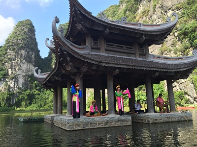 10 điểm du lịch tâm linh hút khách nhất Việt Nam