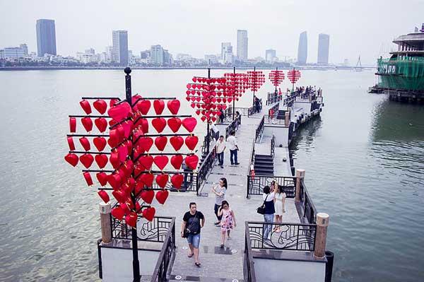 Cầu Tàu Tình yêu - Du lịch Đà Nẵng 4 ngày 3 đêm