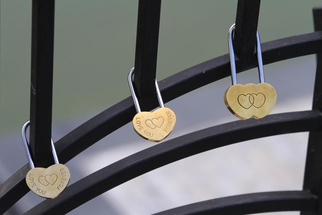 5 địa điểm phải dẫn người yêu đi bằng được ở đà nẵng - ổ khóa tình yêu