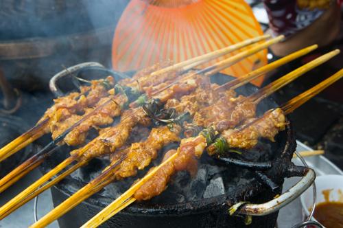 Bánh ướt cuốn thịt nướng - Du lịch Đà Nẵng