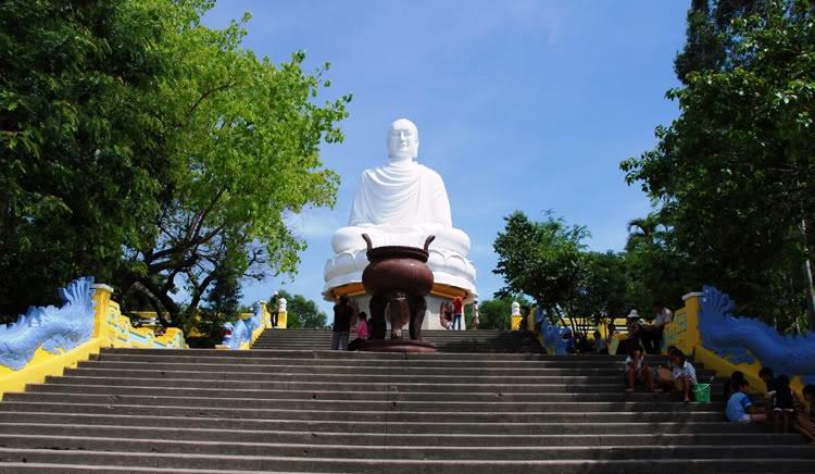 Chùa Long Sơn - Du lịch Nha Trang City 1 ngày